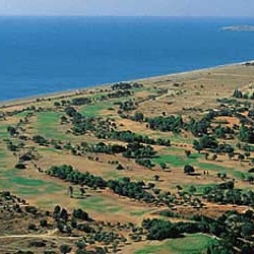 Με 25 ευρώ (!!!) το τετραγωνικό μέτρο ξεπούλησαν την παραλία Αφάντου στη Ρόδο
