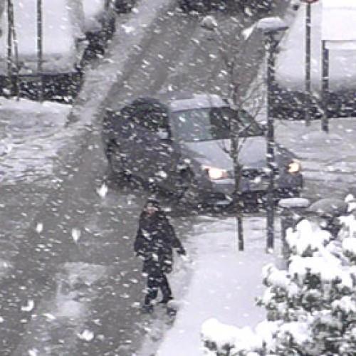 Πυκνό χιόνι σκεπάζει την Ημαθία, χωρίς προβλήματα, προς το παρόν