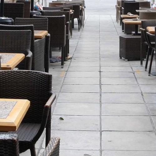 Δήμος Νάουσας: Τα πεζοδρόμια στους πεζούς!