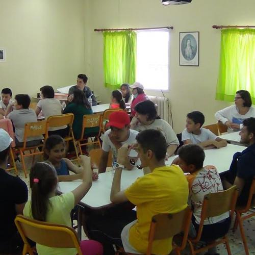"""Ομάδα Συνύπαρξης εκπαιδευόμενων του Κέντρου """" Τα Παιδιά της Άνοιξης"""" και του 4ου Δημοτικού Σχολείου Κρύας Βρύσης"""