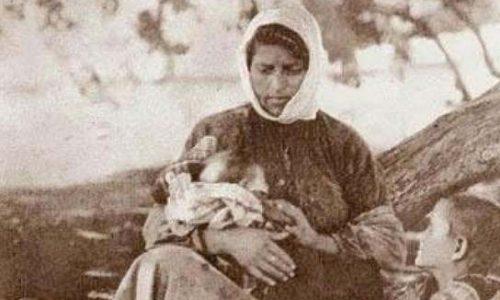 """""""Η μάνα εν βράχος η μάνα εν ρασχίν"""" γράφει η  Τζωρτζίνα Αθανασίου"""