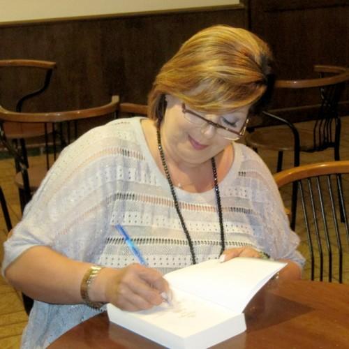 Η Λένα Μαντά στη Βέροια. Μιλά για το καινούργιο της βιβλίο και τους δρόμους της γραφής
