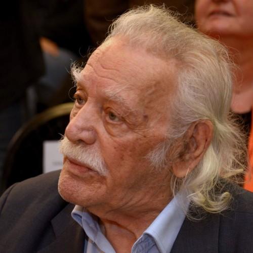 Μανώλης Γλέζος: Ο λευκός καπνός της Συνόδου, ήταν από τις στάχτες της Ελλάδας