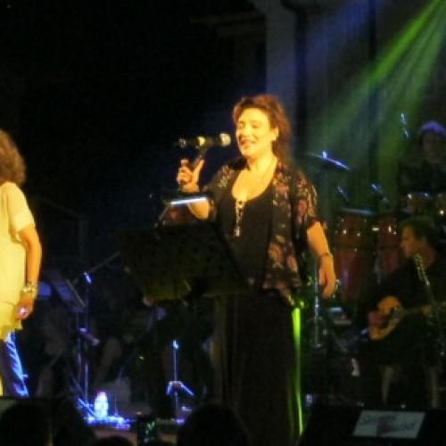Το αδιαχώρητο αυτήν τη στιγμή  στο Θέατρο Άλσους στη Βέροια, λόγω της συναυλίας της Ελένης Βιτάλη και της Γλυκερίας