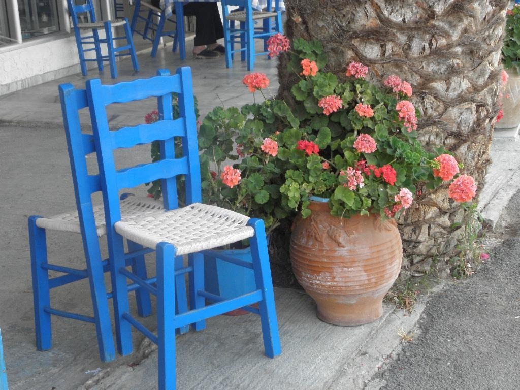 4843054-on_the_main_street_Elafonisos_Island