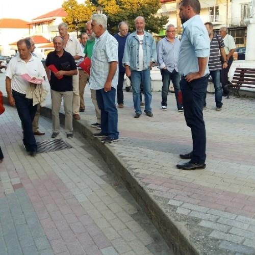 Συζήτηση με τους κατοίκους για τα αγροτικά προβλήματα σε κοινότητες της Νάουσας από τους υποψήφιους βουλευτές του ΣΥΡΙΖΑ