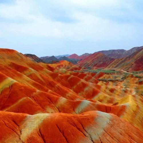 Οι χρωματιστοί λόφοι της Κίνας!