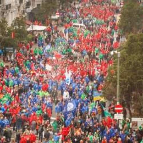 Μεγάλη διαδήλωση στις Βρυξέλλες ενάντια στη λιτότητα (Photo)