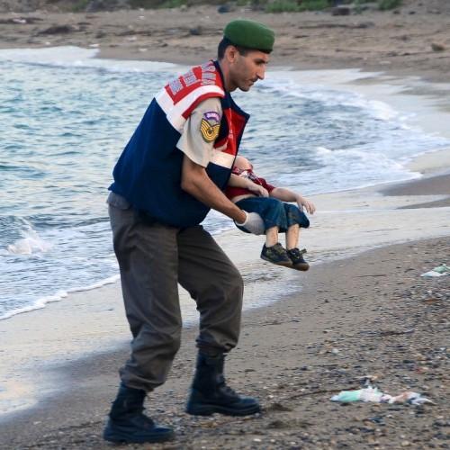 Εκατόμβη προσφυγόπουλων στο Αιγαίο - Θεατές οι Ευρωπαίοι