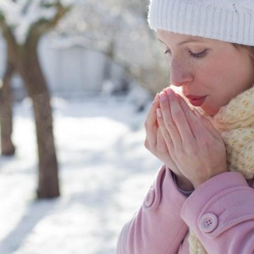 Δώδεκα μύθοι και αλήθειες για το κρυολόγημα