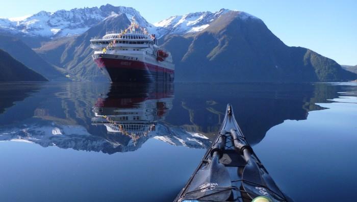 hjc3b8rundfjord-in-sunnmc3b8re-western-norway-kayaking