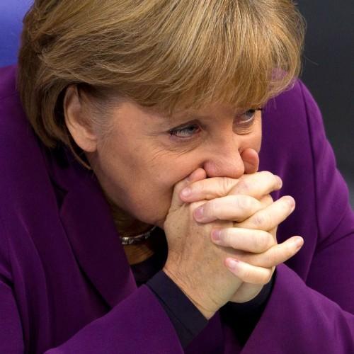 """Τρίζει το αναπτυξιακό """"μοντέλο Μέρκελ"""" στην ευρωζώνη"""