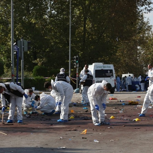Θρήνος και ερωτηματικά για τους 95 νεκρούς στην Αγκυρα - Video τη στιγμή  της επίθεσης