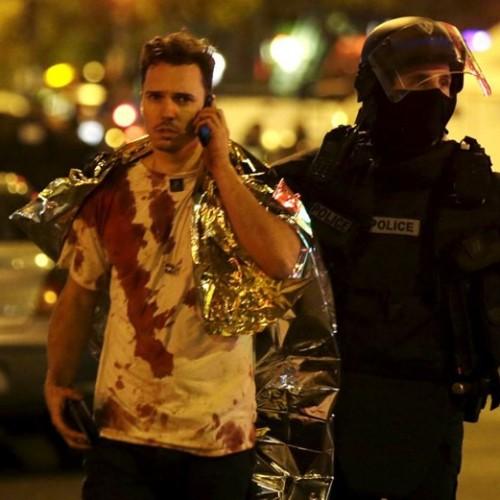 Εκατόμβη νεκρών από μπαράζ επιθέσεων στο Παρίσι  (Video – Photo)