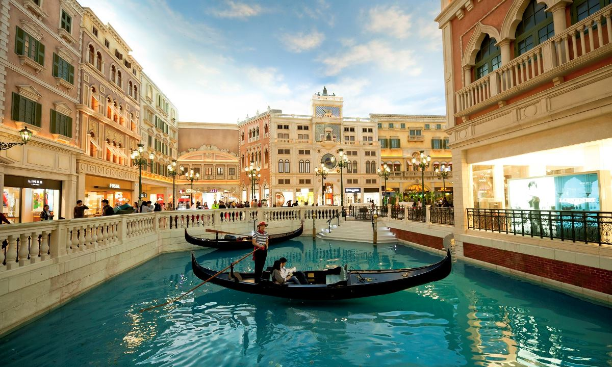 The-Venetian-Hotel-and-Ca-014