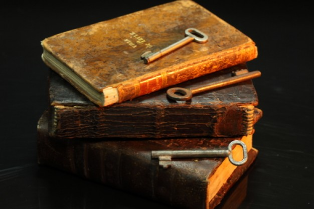 literature--old-books--knowledge--old-key_3205841