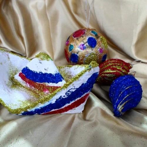 Ευχές για Καλή Χρονιά από το Καλλιτεχνικό Εργαστήρι της Κωσταντίας Αμπατζόγλου