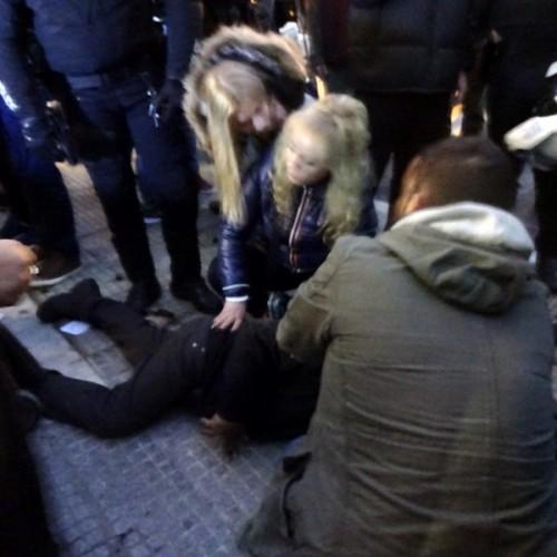 Δεκατρείς αστυνομικοί προσπάθησαν να συλλάβουν   ηλικιωμένο καστανά στη Θεσσαλονίκη  (photo – video)
