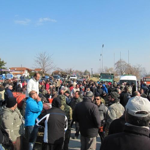Το Δημοτικό Συμβούλιο Αλεξάνδρειας εκφράζει την αμέριστη στήριξη και συμπαράσταση του στον αγώνα των αγροτών