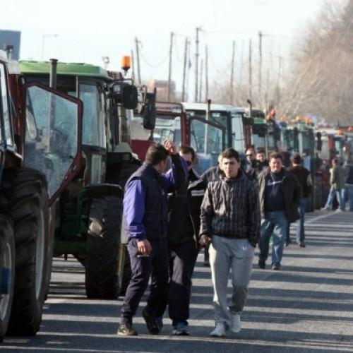 """""""Οι αγρότες μπορούν να σταματήσουν τη μνημονιακή καταδίκη τους"""" των Κώστα Λαπαβίτσα  και Ζωής  Χασιούρα"""