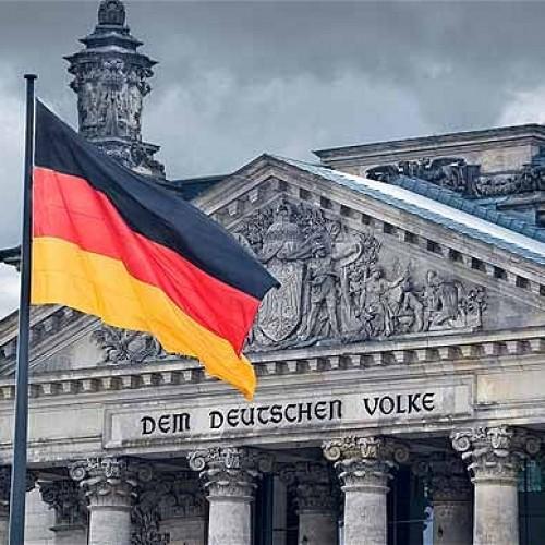 """""""Το Βερολίνο υποχωρεί καίγοντας γη μέσα στον πανικό του"""" του Μάκη Ανδρονόπουλου"""