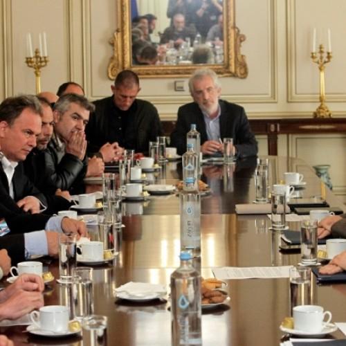 Πανελλαδική Επιτροπή   Μπλόκων: Ανακοίνωση για τη συνάντηση της Αντιπροσωπείας των 69 Μπλόκων με τον Πρωθυπουργό