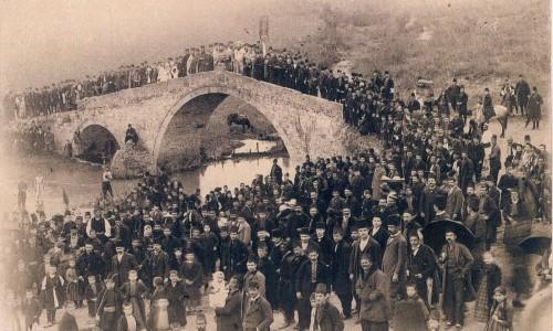 """""""Η φωτογραφία ως μέσο καταγραφής της ιστορικής πραγματικότητας"""" γράφει ο Paul Proctor"""