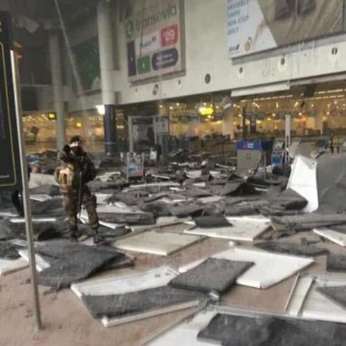 Τρόμος στις Βρυξέλλες – Έκρήξεις με νεκρούς και τραυματίες στο αεροδρόμιο και σε σταθμούς του μετρό