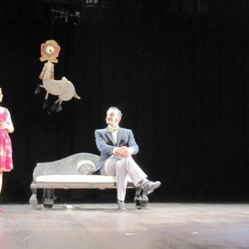 """Ο Ιονέσκο και """"η Φαλακρή Τραγουδίστρια"""". Μαριονέτες σε μια σκηνή μοναξιάς και ανίας…"""