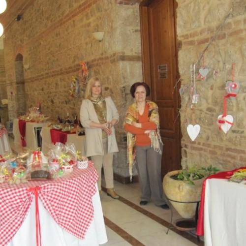 Το παζάρι του ΚΕΜΑΕΔ άνοιξε από χθες στο Δημαρχείο με όμορφα πασχαλινά δώρα