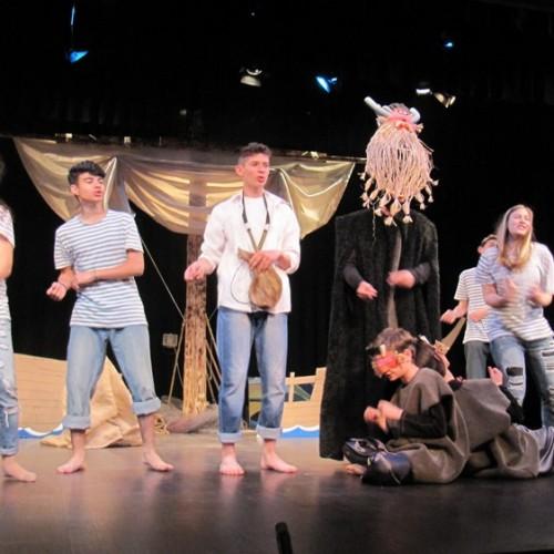 """Δεύτερη μέρα της 4ης Θεατρικής Άνοιξης με """"Οδυσσεβάχ"""", """"Όρνιθες"""" και """"Σκηνές από τον ελληνικό  ασπρόμαυρο κινηματογράφο"""""""