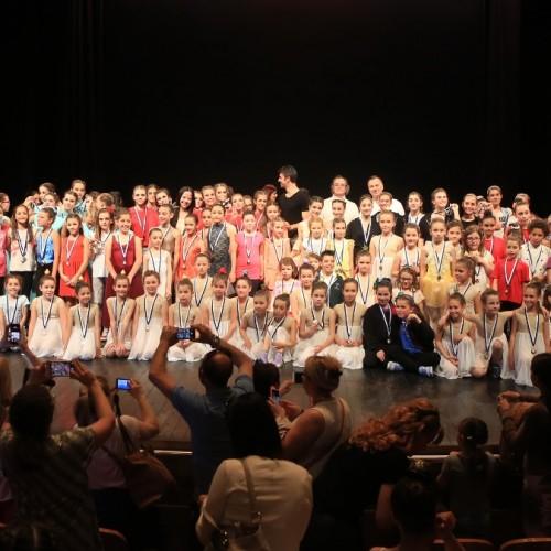 Με ενθουσιασμένους τους συμμετέχοντες ολοκληρώθηκε ο 1Οος Πανελλήνιος Διαγωνισμός  Έντεχνου Χορού στη Βέροια