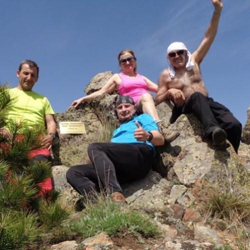 """Η ορειβατική ομάδα Βέροιας  """"Τοτός"""" στη μαγευτική φύση του Βόρα και στην κορυφή """"Κουκούρου"""""""