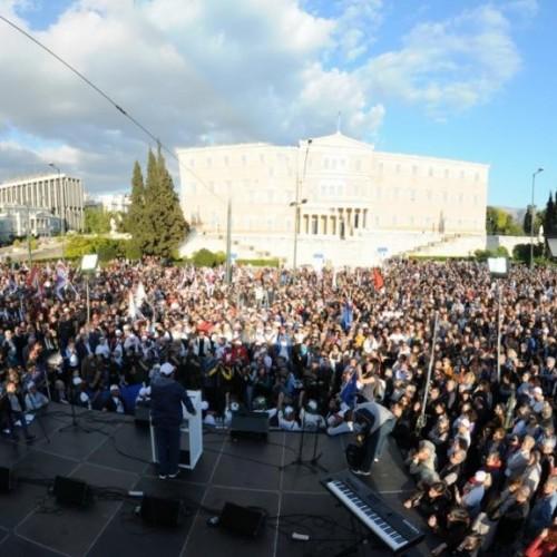 Η Πορεια των  220 χιλιομετρων Πατρα - Αθηνα για την ανεργία. Η ομιλία του Δήμαρχου Πατρέων στο Σύνταγμα - Video
