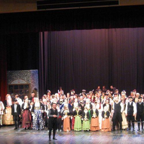 """""""Στον Κύκλο του Χρόνου στην Ημαθία"""". Η μεγάλη μουσικοχορευτική παράσταση που δόθηκε στη Βέροια με διοργανωτή τον ΠΟΞ"""