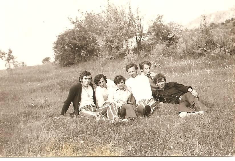 Με συμφοιτητές σε αναψυχή, 1972