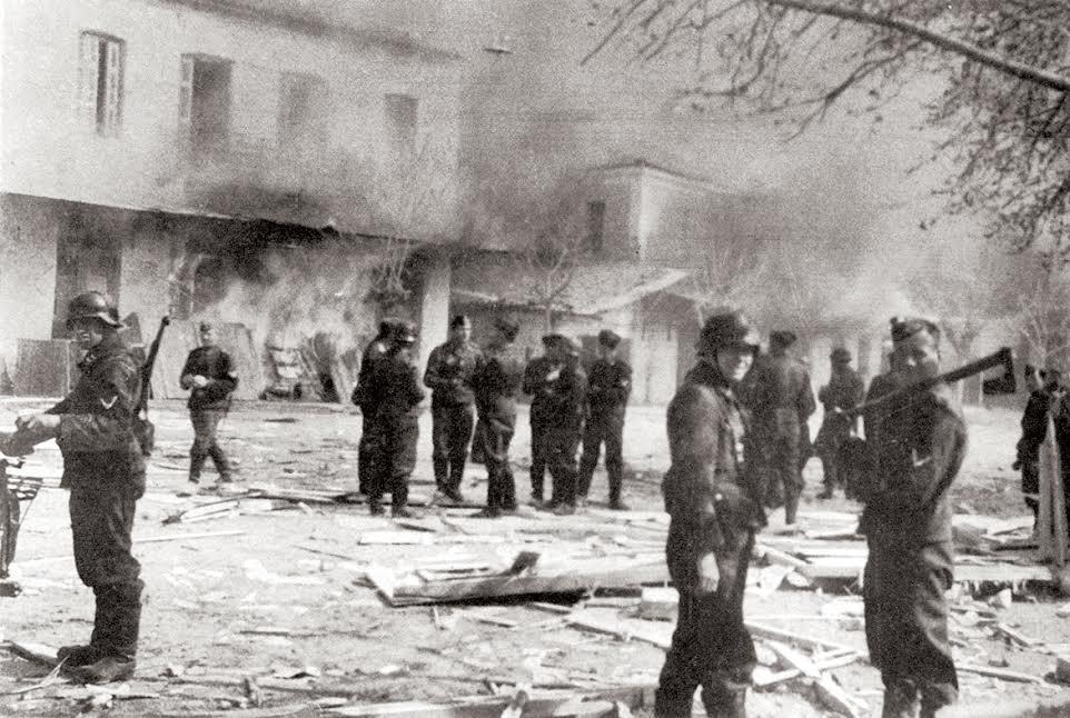 Η εικόνα του Διστόμου τη 10η Ιουνίου 1944. Η φωτογραφία βρέθηκε σε Γερμανό στρατιώτη.