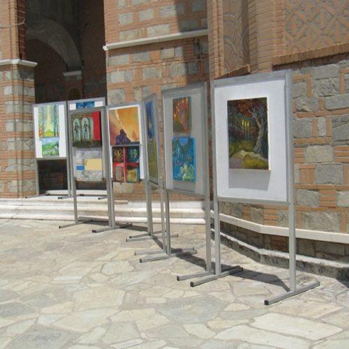 Μια ενδιαφέρουσα έκθεση ευρωπαίων ζωγράφων στη σκιά της Παναγίας Σουμελά, στα πλαίσια Διεθνούς Καλλιτεχνικού Συμποσίου
