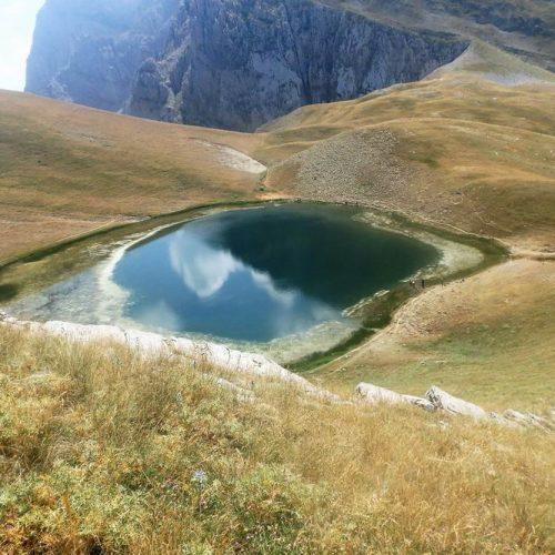 """Ορειβατική Ομάδα Βέροιας """"Τοτός"""" - Ανάβαση  σε    Δρακόλιμνη  Γκαμήλας   από  τη  χαράδρα Αώου"""