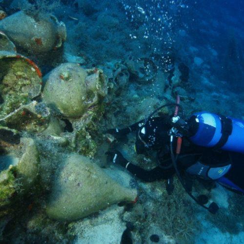 """Έρευνα στο αρχιπέλαγος της Ικαρίας """"έφερε στην επιφάνεια""""  αρχαιολογικούς θησαυρούς"""