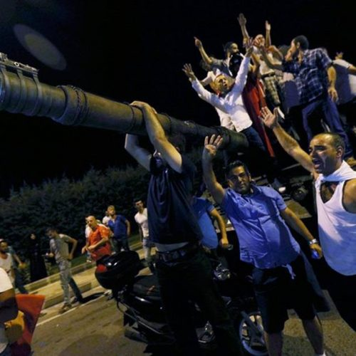 Aνέκτησε o Ερντογάν  τον έλεγχο στην Τουρκία