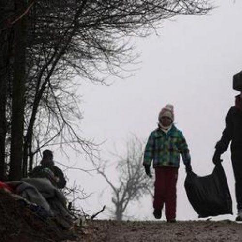 """""""Τρία σακίδια δρόμος - Προσφύγων χρονικά"""" γράφει η Ελένη Παπαδοπούλου"""