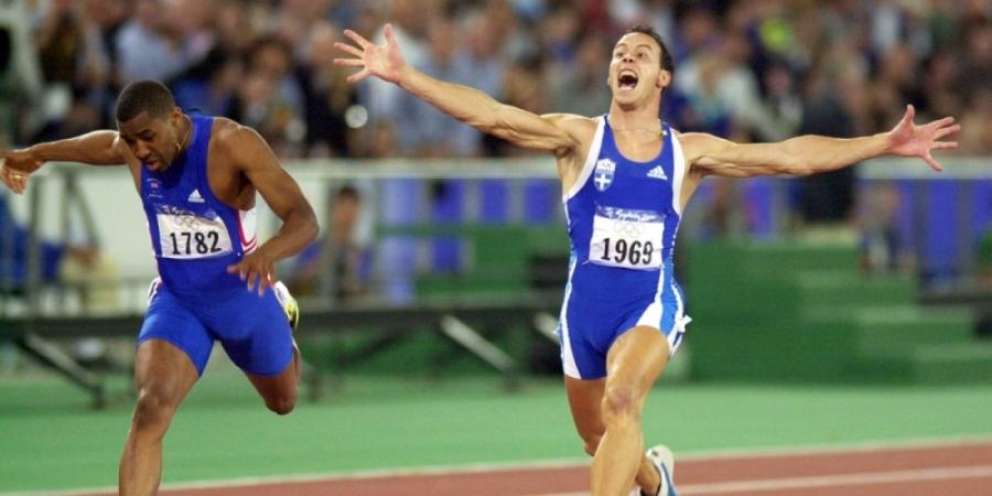 O Kεντέρης τερματίζει πρώτος στα 200μ. στους Ολυμπιακούς του Σίδνεϊ. [PATRICK HERTZOG / AFP]