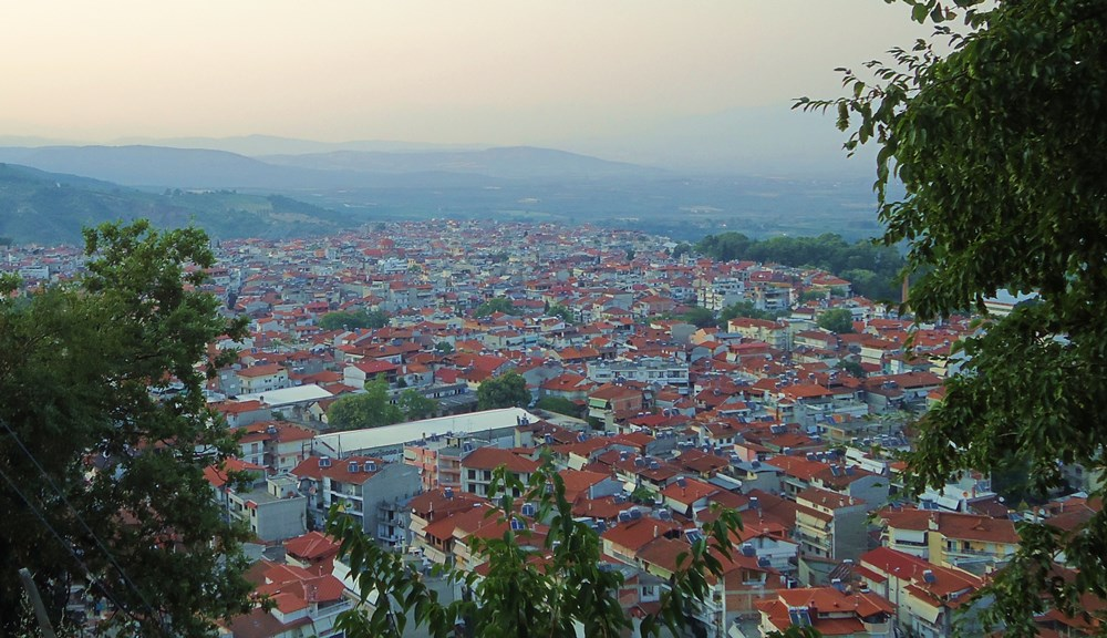 Naousa_view_from_St_Theologos_hill_4