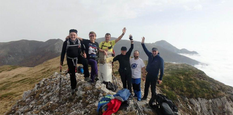 """Ορειβατική Ομάδα Βέροιας """"Τοτός"""". Πίνοβο: Ανάβαση στην """"Κορφούλα"""" περπατώντας πάνω από τα σύννεφα -  Μαγικές εικόνες"""