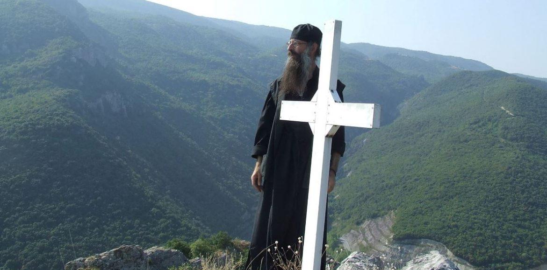 """""""Για τον Μοναχό Θεωνά που εκοιμήθη"""" γράφει ο Αρχιμ. Παλαμάς, Ηγούμενος της Ι. Μονής Καλλίπετρας"""