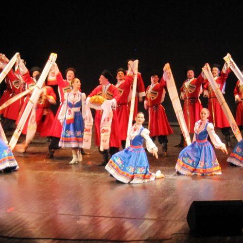 """Οι εκρηκτικοί """"Κοζάκοι της Ρωσίας"""" στη Βέροια, σε μια εντυπωσιακή, πέρα από κάθε προσδοκία, παράσταση"""