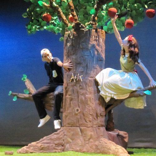 """""""Το δέντρο που έδινε"""". Μια τρυφερή παράσταση του ΔΗΠΕΘΕ Βέροιας που αγγίζει την παιδική ψυχή"""