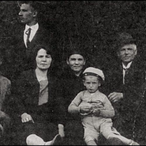 """""""Αφοί Μανάκια: Οικογενειακές αναμνήσεις""""  γράφει ο  Αντώνης Μπουσμπούκης"""
