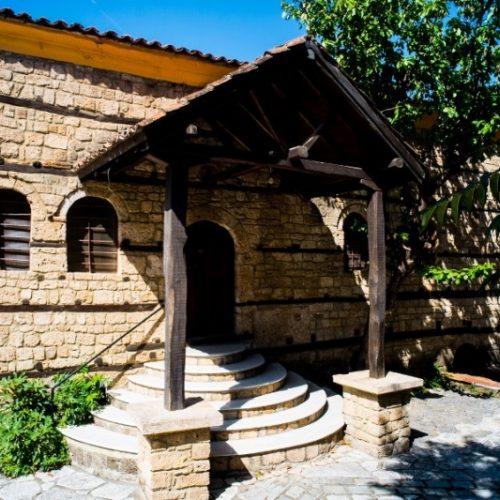 """Ανακαλύπτω τη Βέροια και τους θησαυρούς της - Εβραϊκή Συναγωγή. """"Η αρχαιότερη συναγωγή στη Βόρεια Ελλάδα"""""""